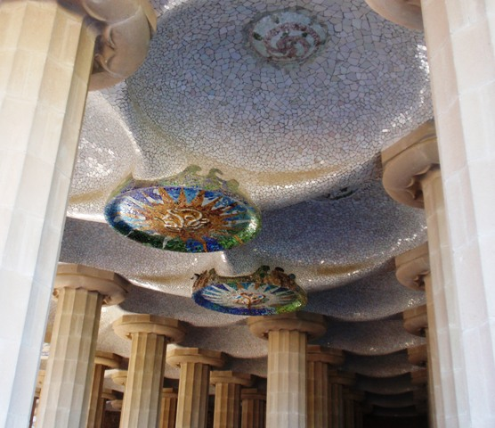 gaudi-park-guell-hypostyle-room-underside-of-the-terrace